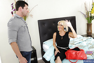 Blonde mature woman Tara..