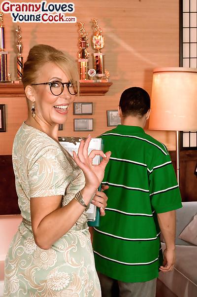 Hot mom Erica Lauren..