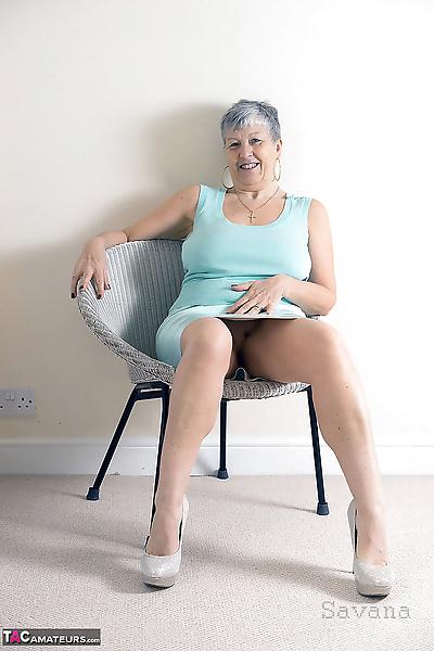 White granny Savana flashes..