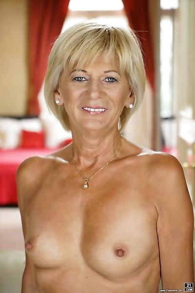Blonde mature Diane Sheperd..