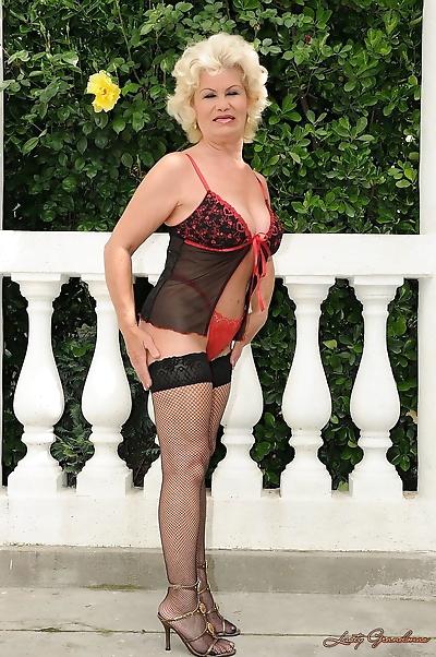 Big titted granny amateur..