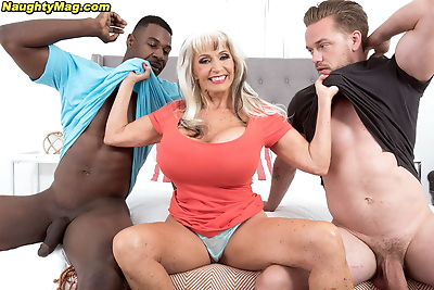 Hot mature woman Sally..