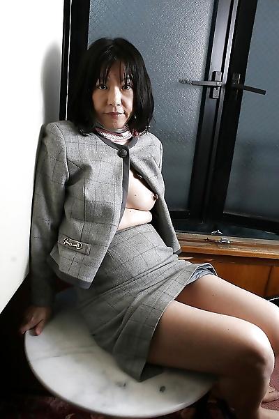 Saucy asian granny Makiko..