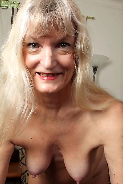 Blonde granny Lisa Cognee..