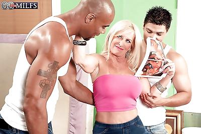 Mature with huge tits Julia..