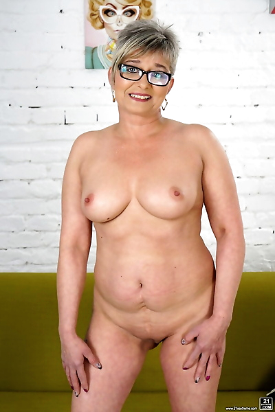 Glasses-clad mature granny..