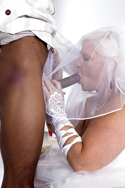Mature bride Lacey Starr..