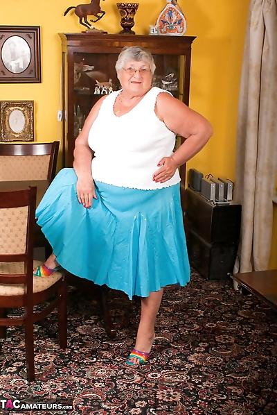 Obese UK lady Grandma Libby..