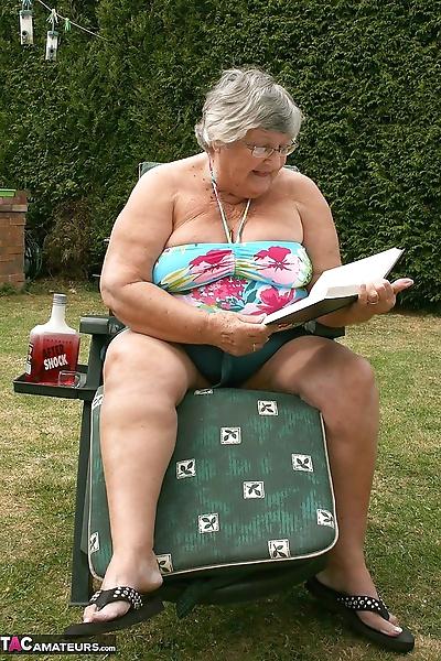 Naughty amateur granny Libby..