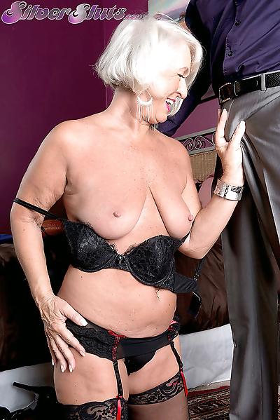 Chubby granny Jeannie Lou..