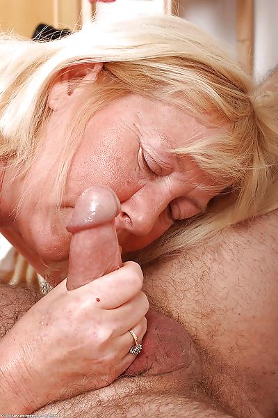 Amateur granny Angeline..