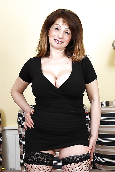 Big breasted milf playing..