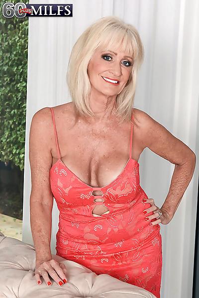 Granny slut housewive leah..