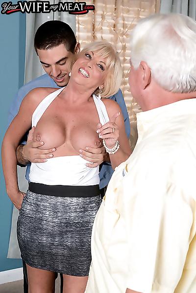 Blonde granny hard fucked in..