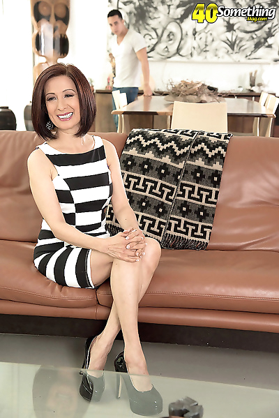 Sexual mature lady kim anh..