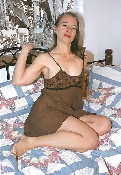 Hairy granny posing nude -..