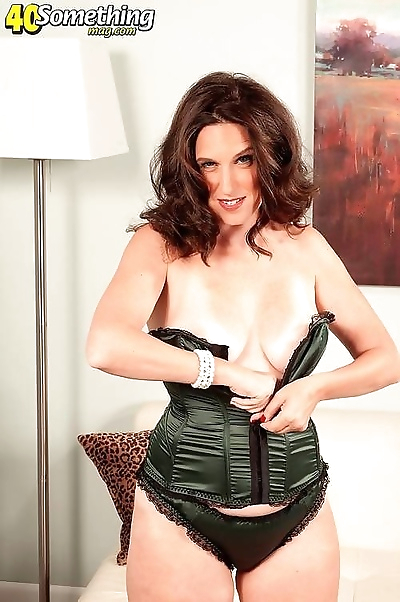 Sexy mature in stocking..