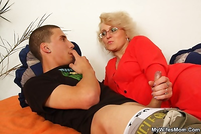Watch blond mom sucking her..