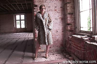 Fur coat and lingerie milf..