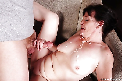 Cumshot scene with an busty..