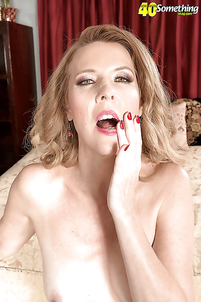 Over 40 mature mom Lacy..