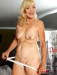 Horny granny janet lesley spreads her older pussy - part 818