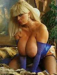 Busty vintage mature teasing and fucking - part 4205