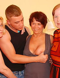 One lucky dude fucking three mature sluts - part 3448