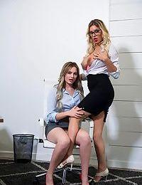 kenzie Taylor horny lesbiennes au travail PARTIE 1404